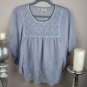 Solitaire butterfly blouse size small